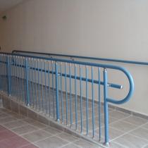 Парапет за инвалидна рампа